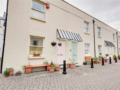 Photo for Ivy Mews - Two Bedroom House, Sleeps 3