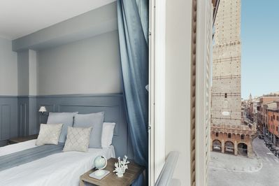 """Three room apartment (5 guests) """"Asinelli"""" Towers View"""