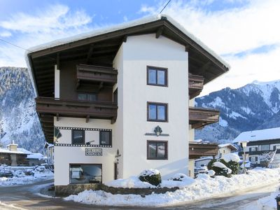 Photo for Apartment for 10 guests in central Mayrhofen, near the Penkenbahn