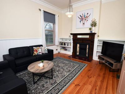 Ballarat Central, VIC holiday accommodation: Houses & more