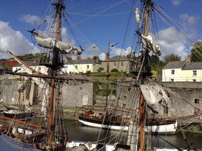 Photo for Quay Courtyard, Charlestown cottage, on the harbour