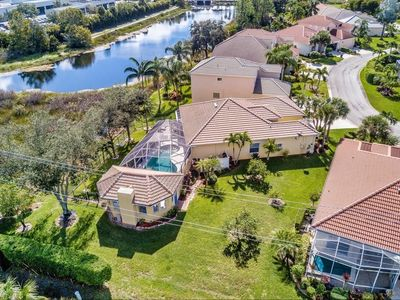 Photo for Beautiful Lake View! Total privacy while relaxing in the pool, spa or cabana!