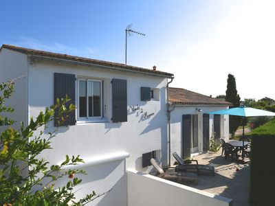 Photo for Charming villa facing south in a quiet and close to the sea and shops