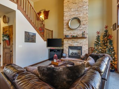 Photo for NEW LISTING! Beautiful townhome w/mountain views, patio & fireplace- near town