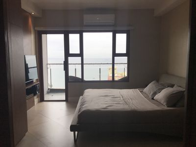 Photo for Executive Malate 1 BR Condo w/ Balcony & Bay View