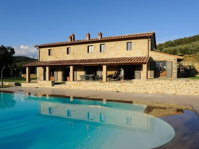 Photo for Lovely villa overlooking Lake Trasimeno with swimming pool