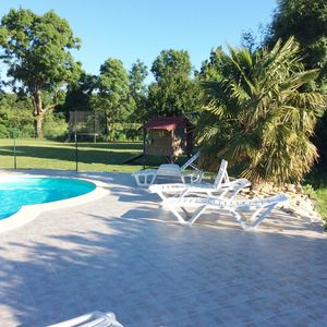 Photo for Semi-detached cottage with heated pool 5 km from the beach