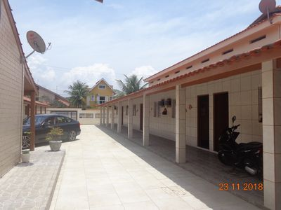 Photo for Family hostel in Peruíbe with air conditioning, TV and internet, 100m from the beach.