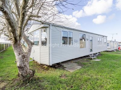 Photo for Immaculate home for hire at California Cliffs holiday park in Norfolk ref 50006B