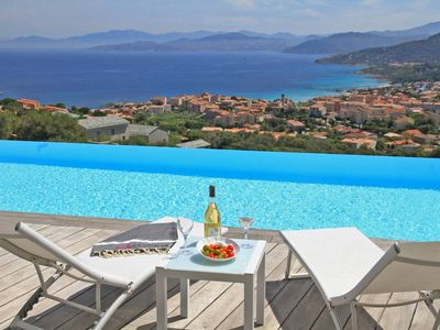 Photo for Luxury Villa with heated pool, jacuzzi, gym, exceptional sea view