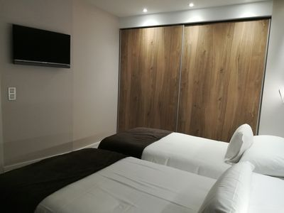 Photo for Deluxe 2 Bedroom Apartment
