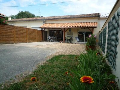 Photo for Gite Vayres, 2 bedrooms, 4 persons