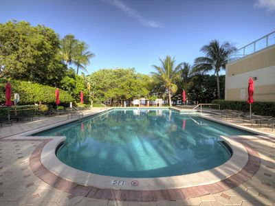 Photo for Le Golden Bay 906 - Condo 6 people, Sunny Isles