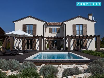 Photo for Holiday Villa Santi for 8-10 people with 4 bedrooms