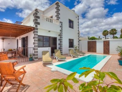 Photo for 3 Bedroom Villa(plus double bed/games room)Private Pool,Jacuzzi-Sea View