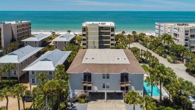 "Photo for BRIGHT ""Beachy"" 2 Bedroom/2 Bathroom 2nd Floor Condo with Gulf Of Mexico View"