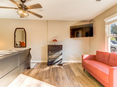 Photo for Spacious studio w/ flatscreen TV, patio, and WiFi - located in downtown Helen!