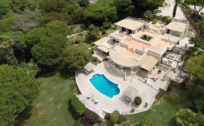 Photo for Luxury Villa With Private Pool In The Heart Of Quinta Do Lago