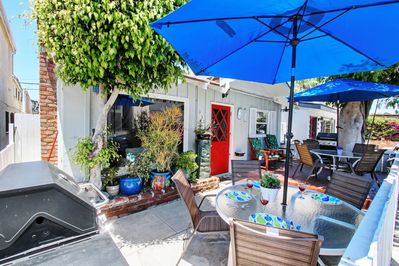 Ocean breeze, gas barbecue secure, WiFi throughout house and patios!