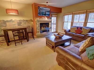 Photo for Jack Pine 8007 Two Big Beds, Walk to Slopes, FREE WIFI, Over Looks River Run By SummitCove Lodging