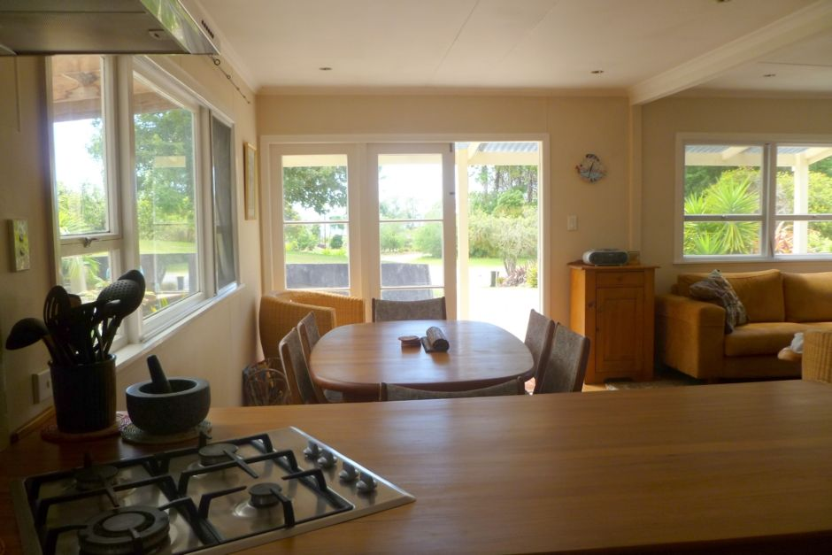 Luxury Beach House, sea views and wooded Reserve,