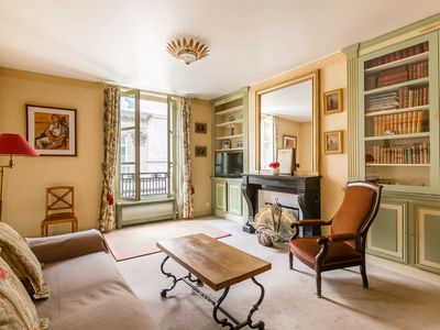 Photo for Cosy 1BR few minutes walk away from Louvre, Palais Royal, Tuileries, by Veeve