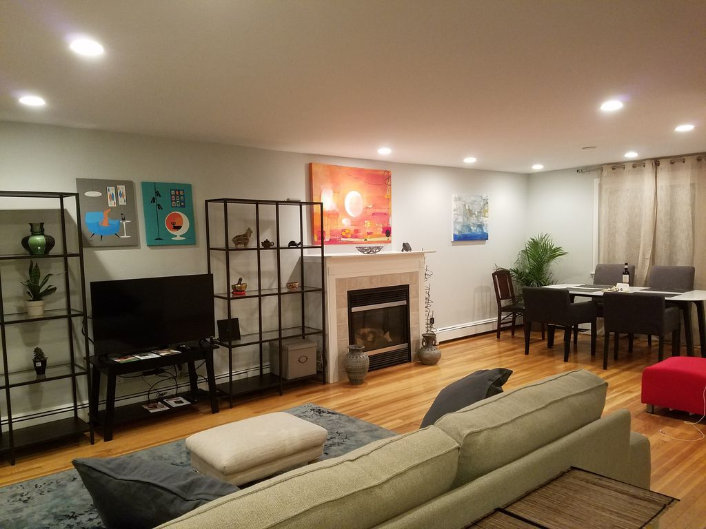 Best of Boston Spacious Modern Comfy Porch ... - VRBO
