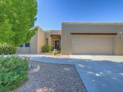 Photo for Southwestern Single Family Home - Just 4 minutes from Balloon Fiesta Park