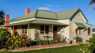 Photo for 5BR House Vacation Rental in Mudgee, NSW