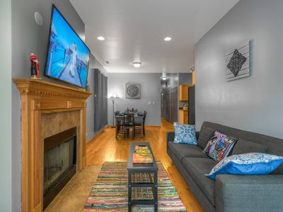 Photo for Sleeps 14 Parking Breakfast Sushi Wine Smoothies $10 off 你好 مرحبا Hola Bonjour Привет Kamusta perfect for big families, groups & students Apt.1