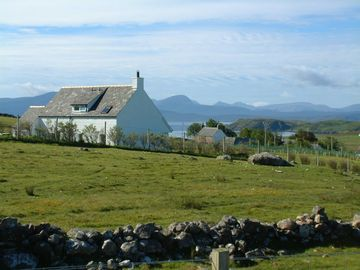 Elegant Achiltibuie cottage with stunning views of the Summer Isles