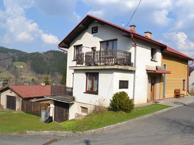Photo for Holiday apartment near the ski lift and natural pool