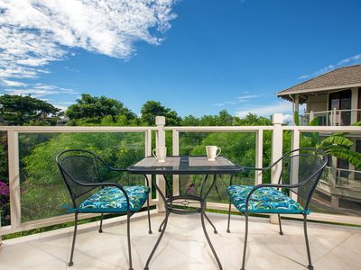 Photo for Bright, welcoming condo w/shared pool, hot tub, grill - private open-air balcony