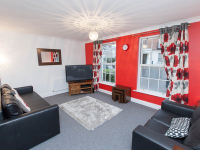 Photo for 2 Bed Ground Floor with parking, WIFI, sleeps up to 6