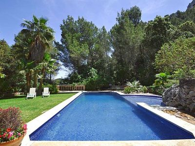 Photo for Breathtaking Villa with private pool and mountain views, Esporles