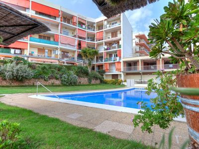 Photo for Nice apartment for 4 guests with pool, WIFI and TV