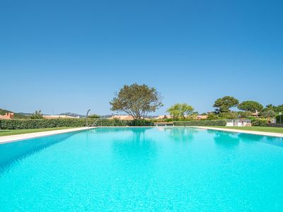 Photo for Holiday Villa with Garden, Terrace & Pool; Parking Available