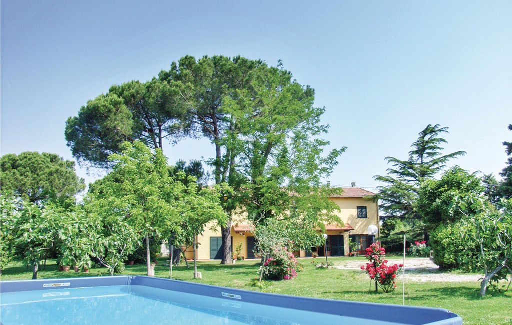 4 bedroom accommodation in Crespina PI