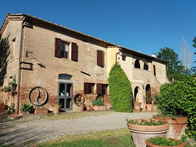 """Photo for Farm house in the  """" crete senesi"""" for groups 8-13 persons"""