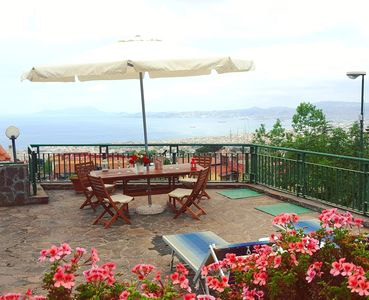Photo for Beautiful Pool Villa in the middle of the Gulf of Naples. Sea view.