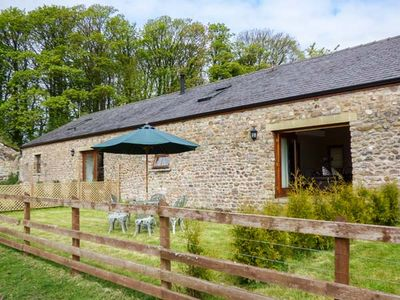 Photo for POPPY COTTAGE, pet friendly, with open fire in Lancaster, Ref 913188