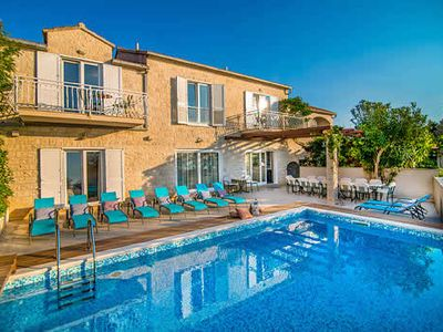 Photo for Large scenic villa with games room, gym, private pool and free Wi-Fi