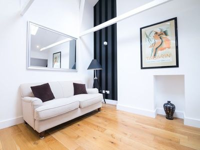 Photo for Contemporary 1 Bedroom Flat In Fulham