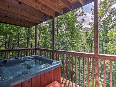 Photo for 'Pappy's Hideaway' w/ Mt LeConte Views & Hot Tub!