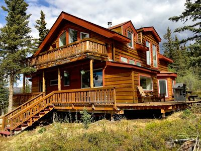 Photo for ☆ Denali Sunset House - Wild scenery with creature comforts!