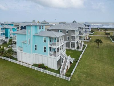 Photo for The Water House | 3 Bedrooms + Loft - 3 Baths - Sleeps 10 in Beachside Village