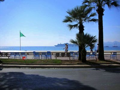 Photo for On LA CROISETTE (close to Carlton), 65 Sq.M, 4 People, air cd, bathtub, WiFi