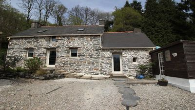 Photo for Newly renovated cottage and is very close to the popular Lac de Guerlédan