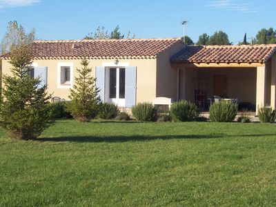 Photo for Private villa with pool in the countryside, Bonnieux