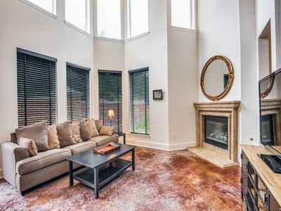 Photo for Elegant Fully Furnished Townhouse in Dallas
